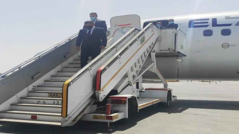 وصول وزير خارجية الكيان الإسرائيلي إلى مصر لإجراء مباحثات حول إعمار غزة وتبادل الأسرى