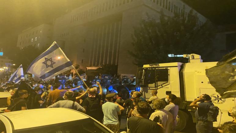 تجدد الإحتجاجات والمظاهرات في الكيان الإسرائيلي ضد بنيامين نتنياهو