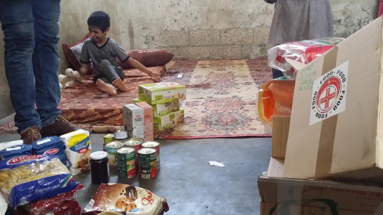 قافلة مساعدات اغاثية ايطالية محملة بالمواد الطبية والأدوية تصل قطاع غزة