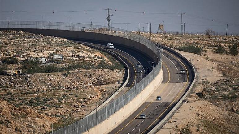 الطريق 4370 هو فصل عنصري جديد في الضفة الغربية