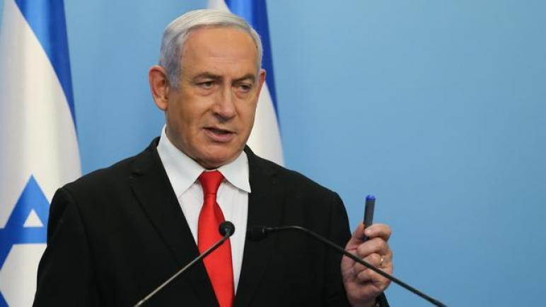 رئيس وزراء الكيان الإسرائيلي يريد زرع شرائح الكترونية داخل الأطفال لضمان التباعد الإجتماعي