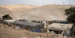 منظمة العفو الدولية : هدم القرية الفلسطينية خان الأحمر هي جريمة حرب