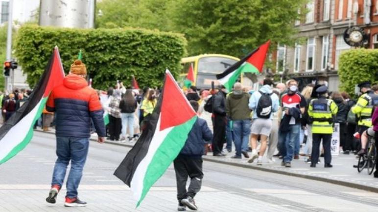الحكومة الأيرلندية تصوت على اقتراح حظي بدعم عدة أحزاب لطرد السفير الإسرائيلي