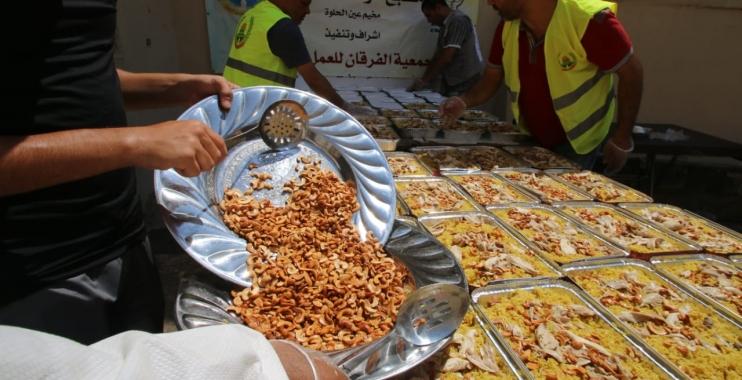 افتتاح مطبخ الوفاء الخيري في مخيمات لبنان وتقديم وجبات غذائية للاجئين الفلسطينيين