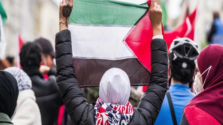 المحكمة الإدارية العليا في فرنكفورت تقرر السماح بمظاهرة مؤيدة لفلسطين بعد حظرها من مجلس المدينة