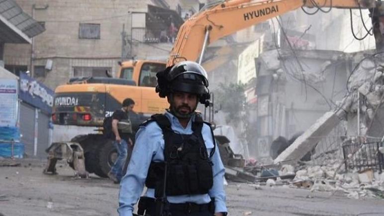 صحيفة Brabosh الإسرائيلية – الاتحاد الأوروبي يدين قيام إسرائيل بهدم 21 من المباني العربية في القدس الشرقية