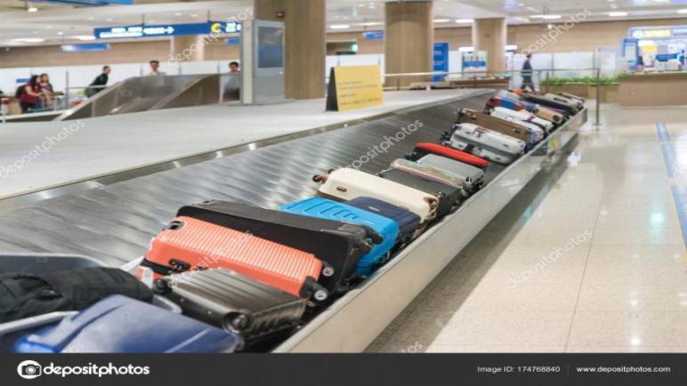 موظفي تسليم الحقائب يمتنعون عن نقل أمتعة ركاب إسرائيليين في مطار ليون