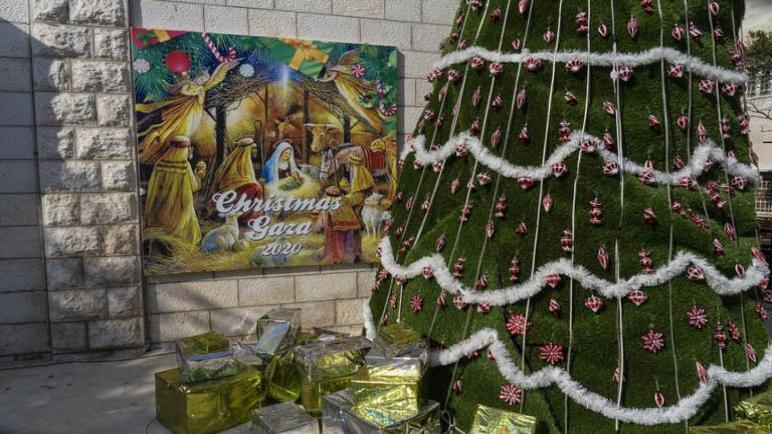 الكابوس قبل عيد الميلاد: مسيحيو غزة ينتظرون تصاريح لرؤية أحبائهم تحت رحمة السلطات الإسرائيلية