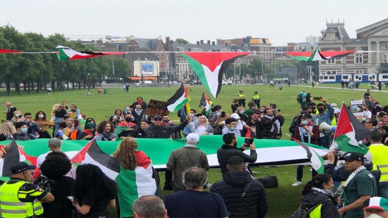 المئات يشاركون في تظاهرة داعمة لفلسطين ورافضة لقرار الضم الإسرائيلي في العاصمة الهولندية أمستردام