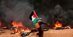 مقتل خمسة فلسطينيين في احتجاجات اليوم الجمعة على الحدود بين قطاع غزة واسرائيل
