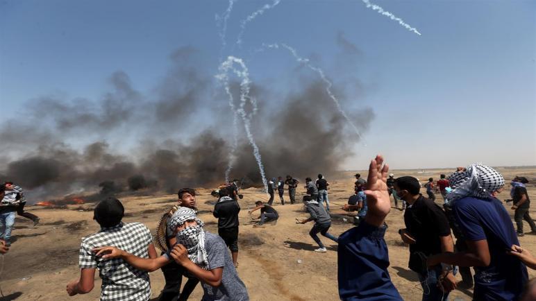 أكثر من 70 فلسطينيا أصيبوا بنيران إسرائيلية في احتجاجات اليوم بقطاع غزة