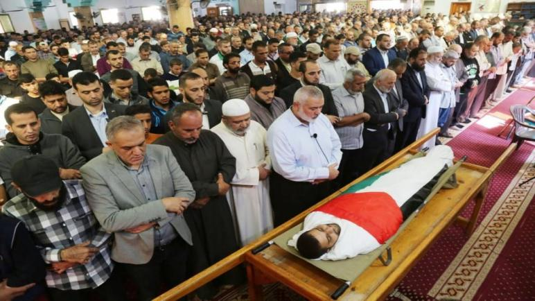 صحيفة ايطالية – هنية في جنازة الصياد مصطفى أبو عودة: تفاجئنا بما قامت به مصر وهذا مخالف للإتفاقات