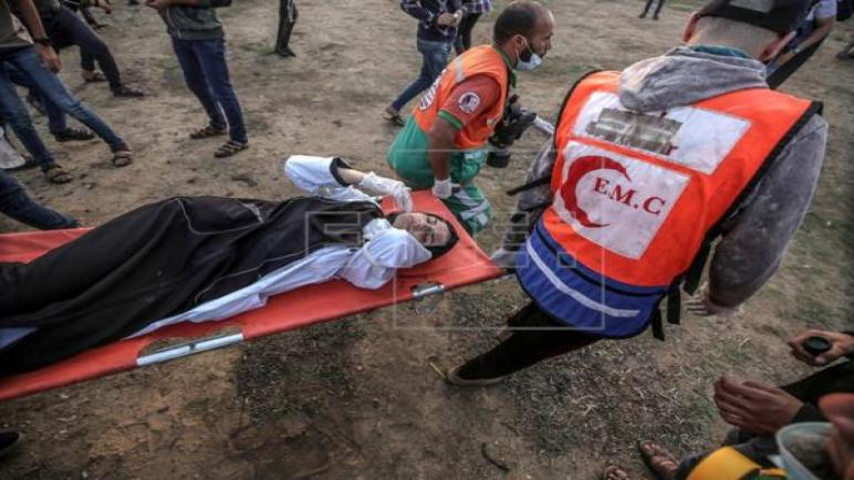 صحيفة اسبانية – إصابة 37 شخص بجروح بنيران الجيش الإسرائيلي بينهم ستة أطفال في احتجاجات اليوم بغزة