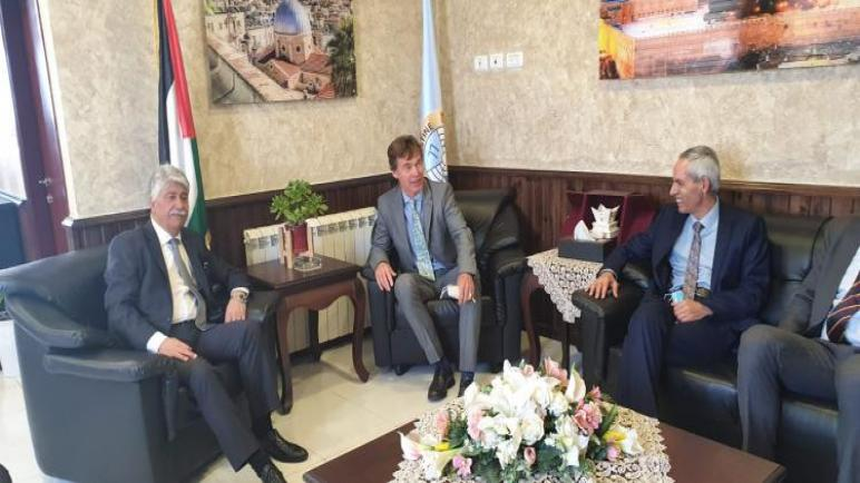 الإتحاد الأوروبي والنمسا و إسبانيا يقدمون 14.5 مليون يورو لدعم العائلات الفلسطينية الضعيفة