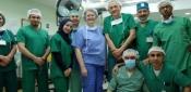 الإحتلال الإسرائيلي يمنع جراحة بريطانية من دخول غزة لتقديم المساعدة لمرضى السرطان