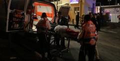 صحيفة سويدية – اصابة أربعة من الشرطة الإسرائيلية بجروح جراء طعنهم من قبل شاب فلسطيني