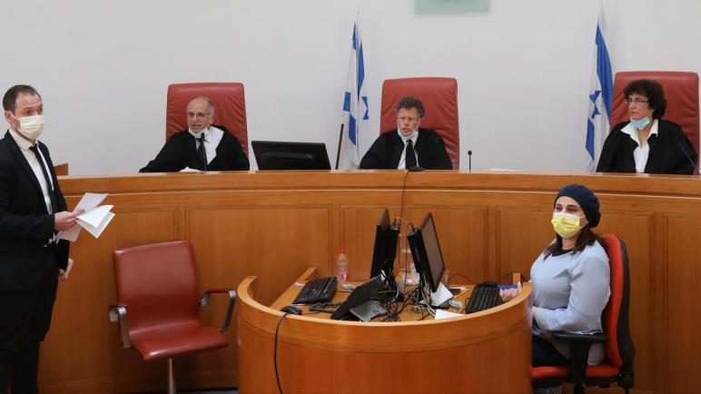 العائلات الفلسطينية المهددة بالإخلاء من حي الشيخ جراح ترفض اقتراح المحكمة الإسرائيلية العليا بإجراء تسوية
