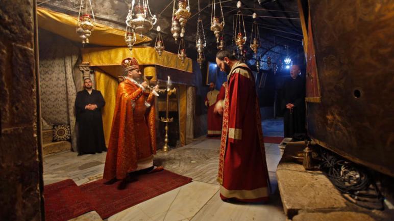 مئات المسيحيين يحتفلون بعيد الميلاد المجيد في بيت لحم مهد اليسوع