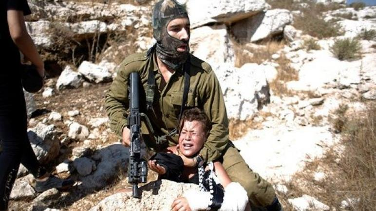استمرار وحشية الكيان الإسرائيلي ضد الأطفال الفلسطينيين يثير موجة من الإحتجاجات الشديدة