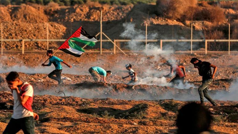 عدة جرحى في احتجاجات مسيرة العودة بغزة التي كانت هادئة نسبيا اليوم