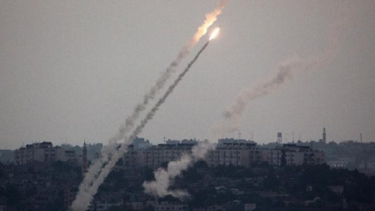 صحيفة Brabosh الاسرائيلية – حماس تطلق 17 صاروخ وقذيفة هاون على أهداف مدنية عشوائية اسرائيلية