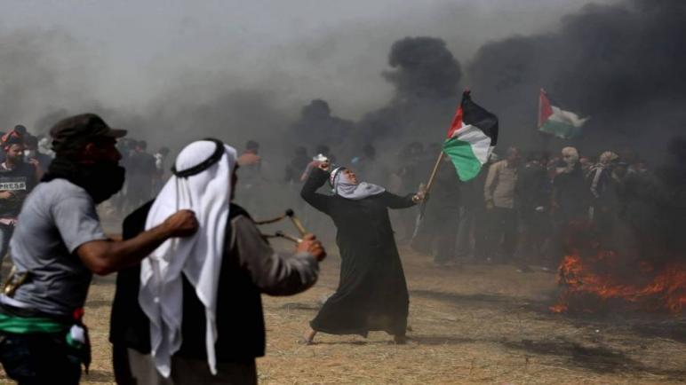 اصابة أربعة عشر فلسطيني بجروح جراء اطلاق الرصاص عليهم خلال احتجاجات اليوم في قطاع غزة