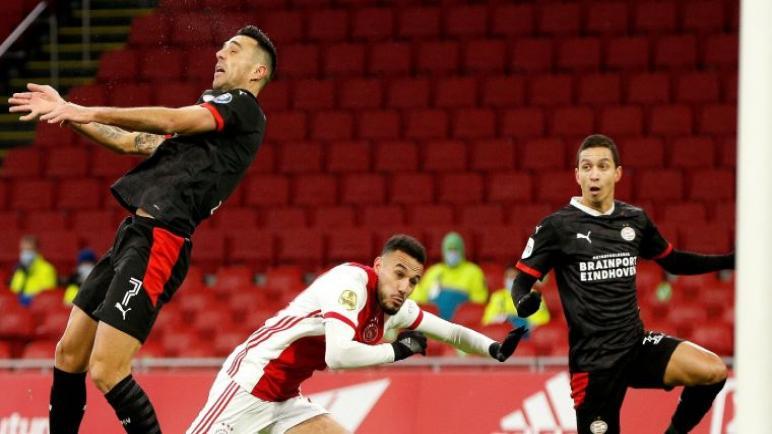 جدال بين لاعبي نادي PSV أيندهوفن و نادي أياكس أمستردام حول المواجهات بين الكيان الإسرائيلي وفلسطين