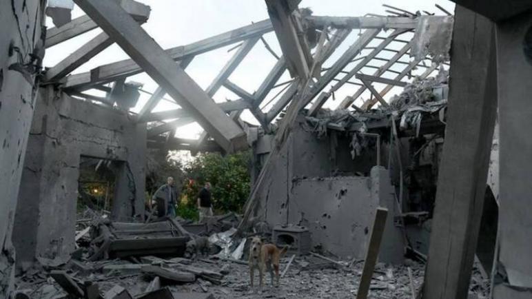 سقوط صاروخ على تل أبيب واصابة سبعة أشخاص بجروح واسرائيل تتهم حماس بإطلاقه